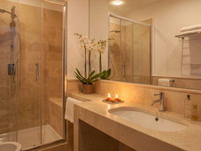 Nazionale 51 Rome Bathroom