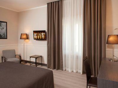 Nazionale 51 Rome Room 2